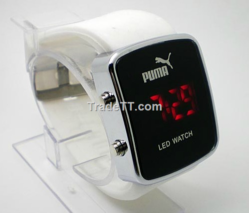 wholesaler 2011 fashion digital puma led watches china